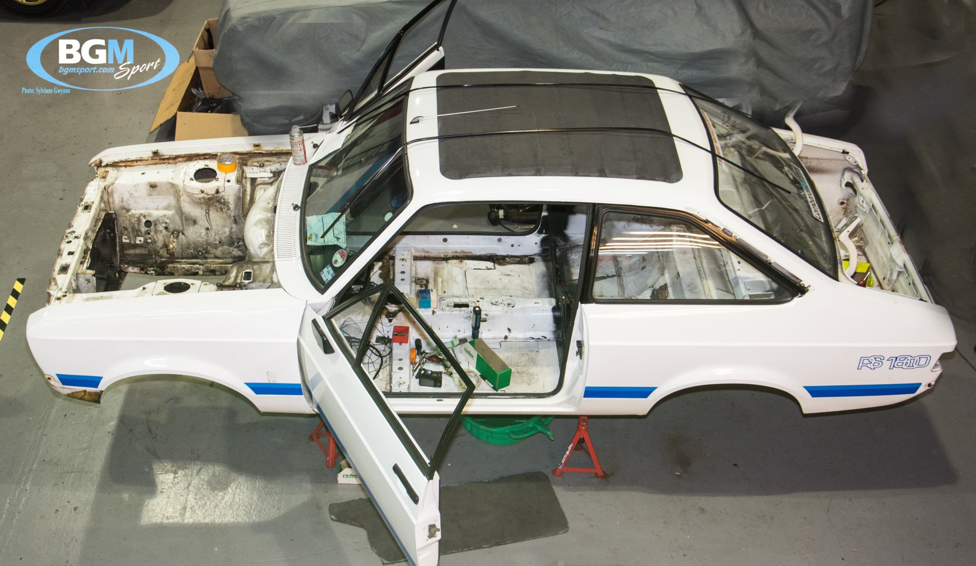 ford-escort-rs1800-45