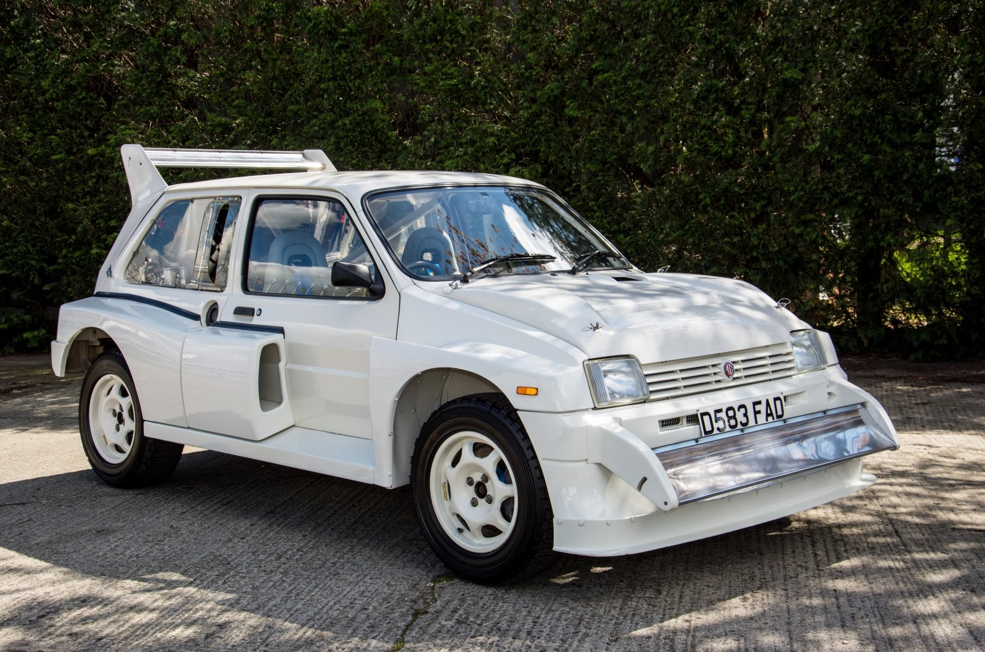 mg-metro-6r4-gpb-homologation-car-02